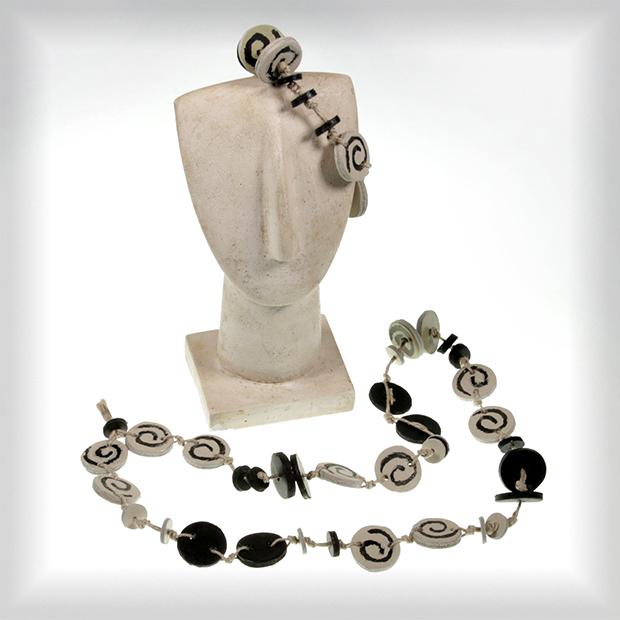 flirt-necklace-bracelet
