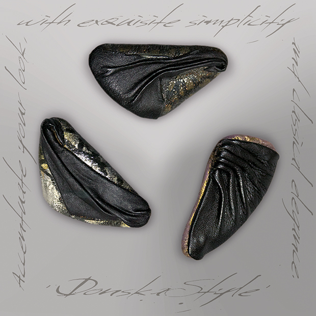 black_brooches