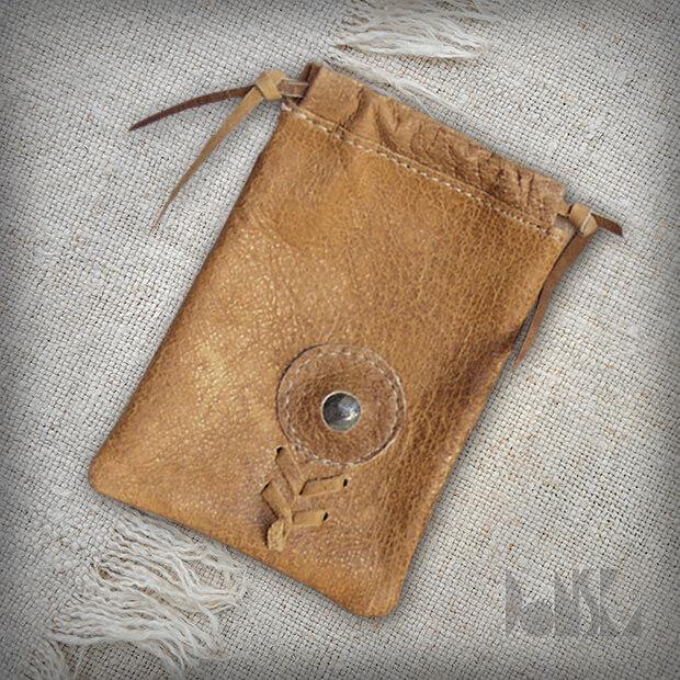 beige-pocket